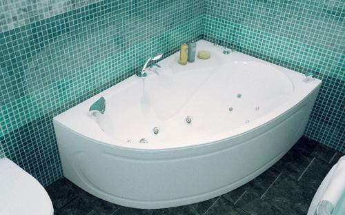Зовнішній вигляд лівої ванни Кайлі Тритон