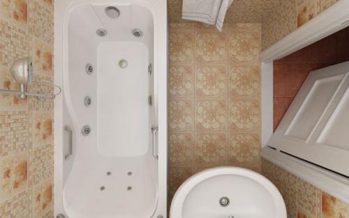 Зовнішній вигляд ванни Кет Тритон